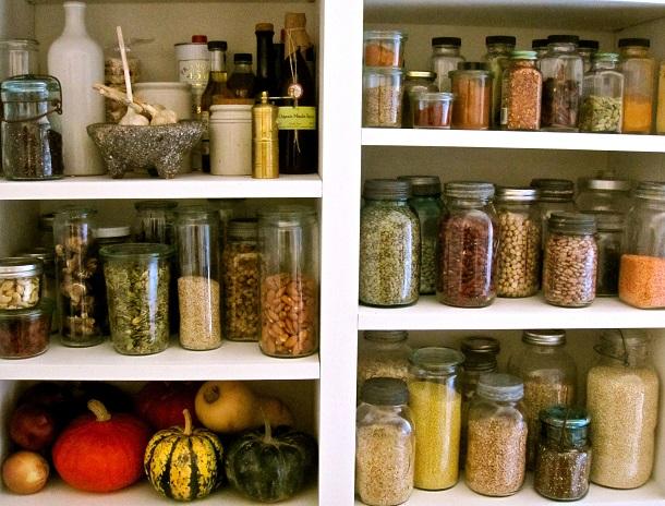В чем хранить муку в домашних условиях