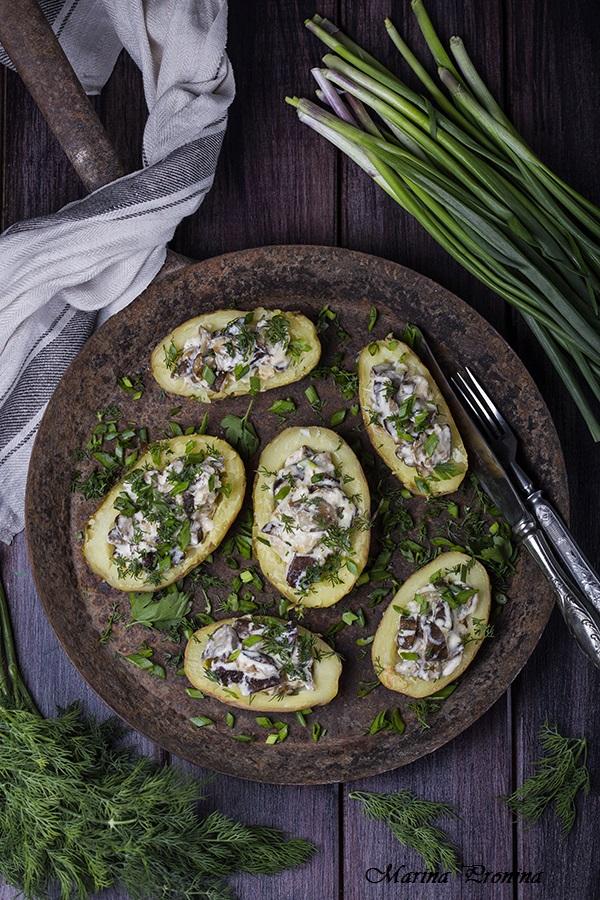 Картофель фаршированный грибным жюльеном