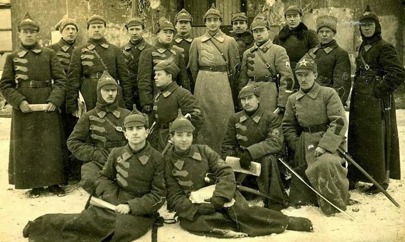 От синей до оранжевой Лига историков, будёновка, фишки-мышки, форма РККА