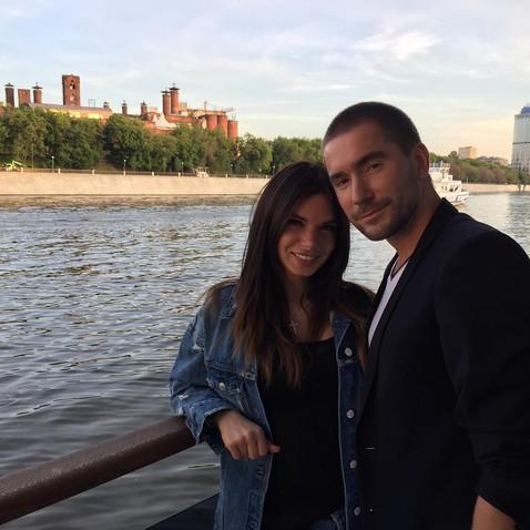 Катя Жужа требует от супруга…