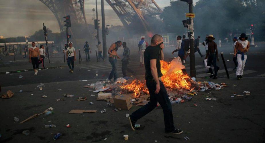 Почему французы восстали или…