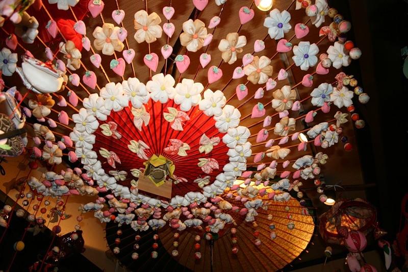 Зонтик из цветов своими руками