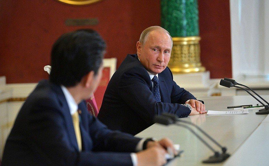 Кремль предупредил Абэ