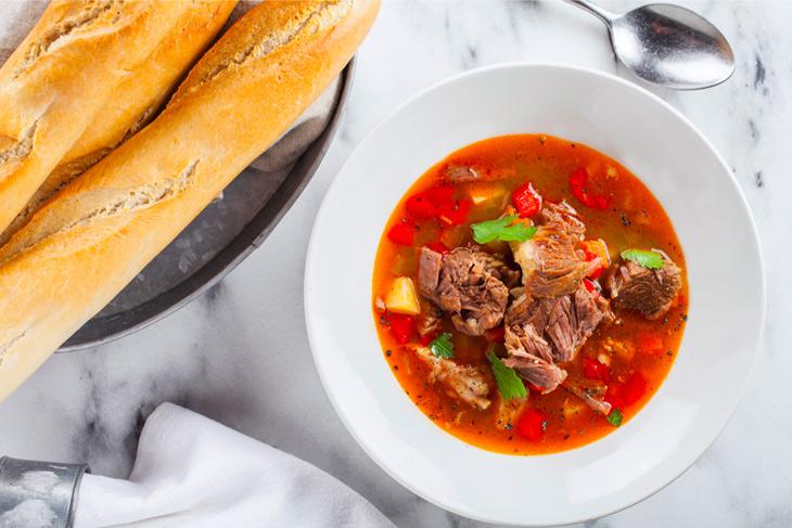 Суп-гуляш от шеф-повара Евгения Цветкова