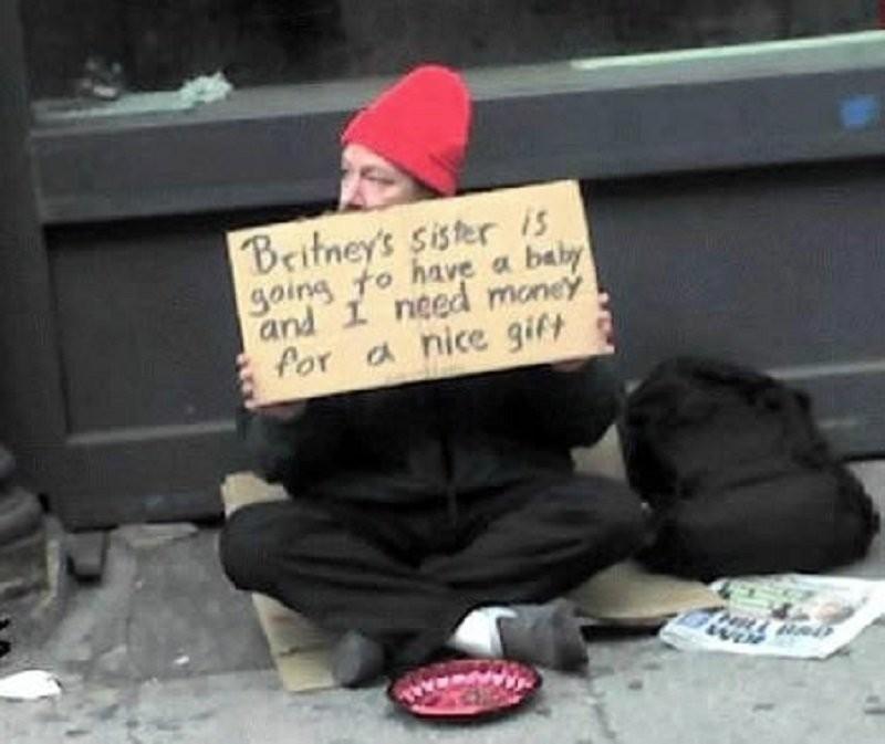 """""""У сестры Бритни Спирс будет ребенок и мне нужны деньги на хороший подарок"""" бездомные, креатив, попрошайки"""