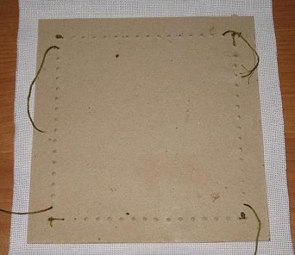 Как закрепить в рамке вышивку бисером