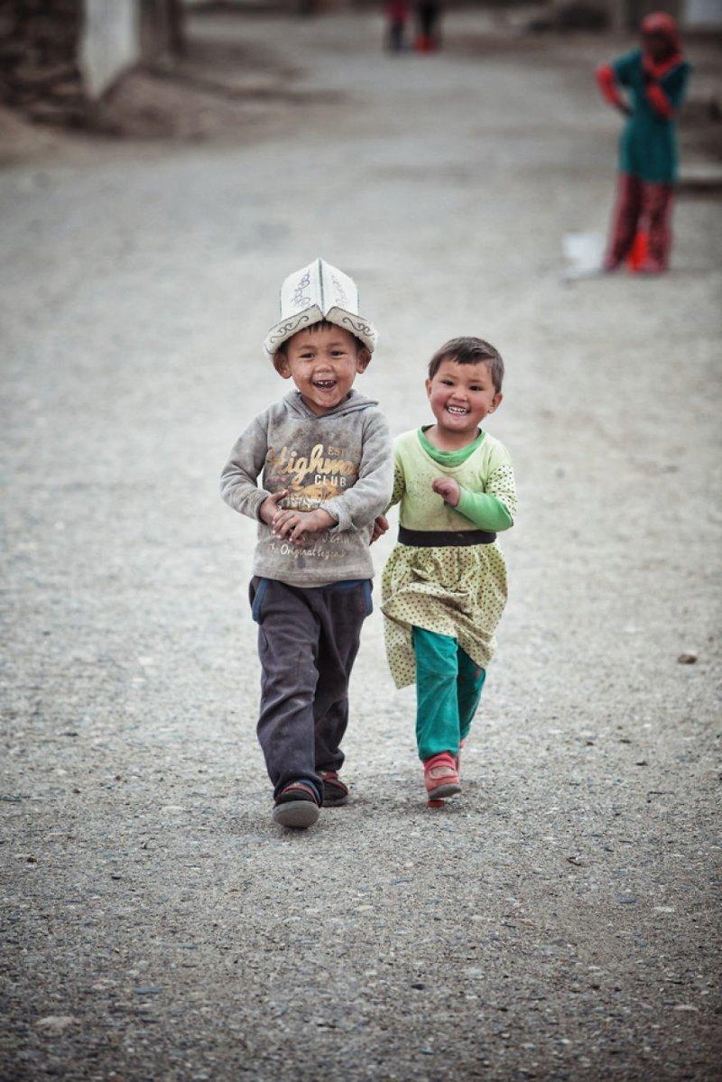 Поселок Мургаб, Таджикистан монголия, мотоцикл, мотоцикл с коляской, мотоцикл урал, путешественники, путешествие, средняя азия, туризм