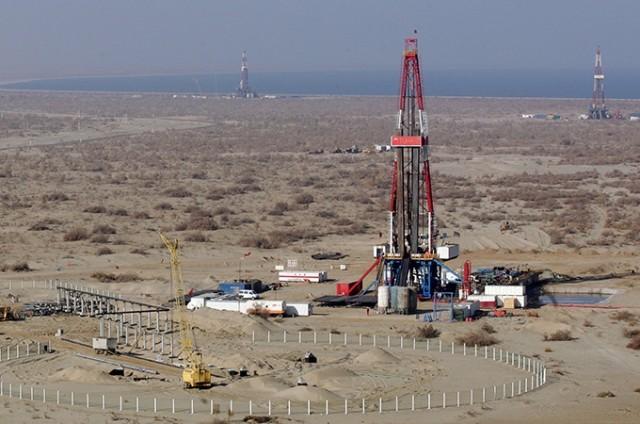 Иранская нефтедобыча постави…