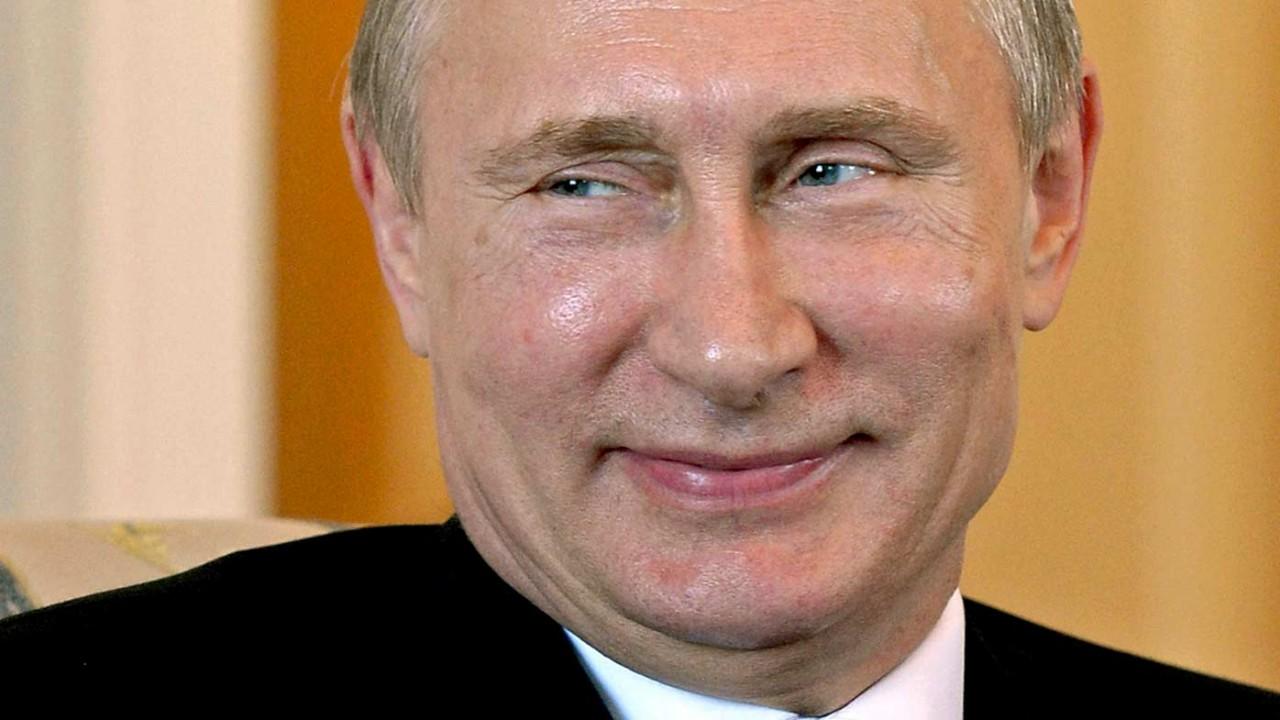 ВКрыму начали собирать деньги на монумент Путину вобразе капитана корабля