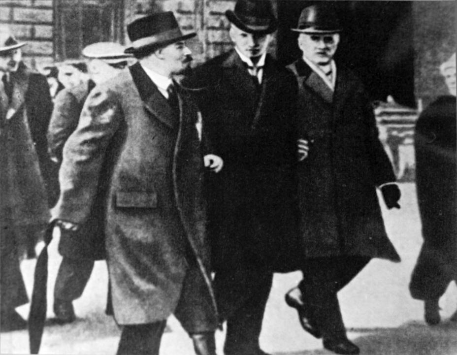 Если большевики были куплены фининтерном, то почему всё так плохо кончилось для покупателей?