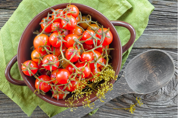 Как быстро и вкусно законсервировать помидоры