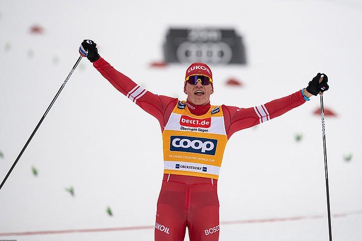 Не злите больше Большунова: Российский лыжник на «Ски тур» выиграл масс-старт с большим отрывом
