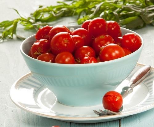 Пряные помидоры с хреном