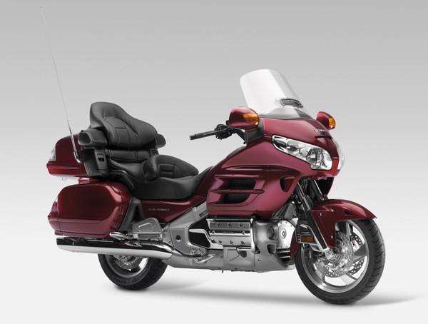 Honda GL1800: едет, рулится, но не тормозит - Фото 1
