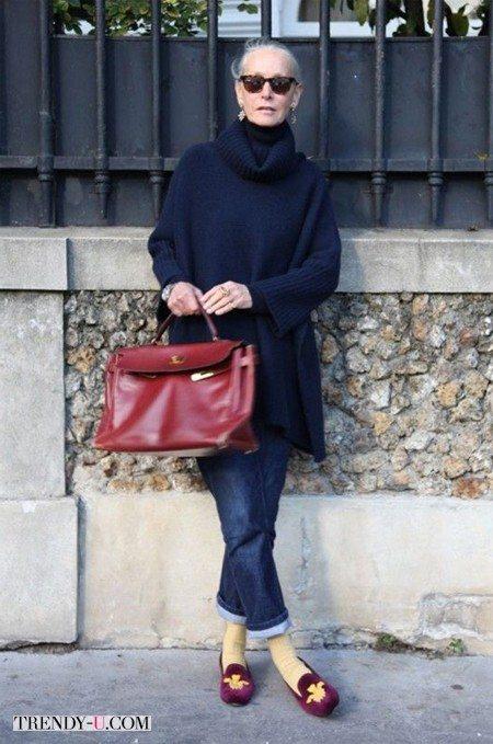 Свитер, укороченные джинсы и стильные аксессуары не имеют возрастных ограничений