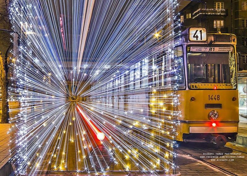 trams03 800x571 Чудесные светящиеся трамваи в ночном Будапеште