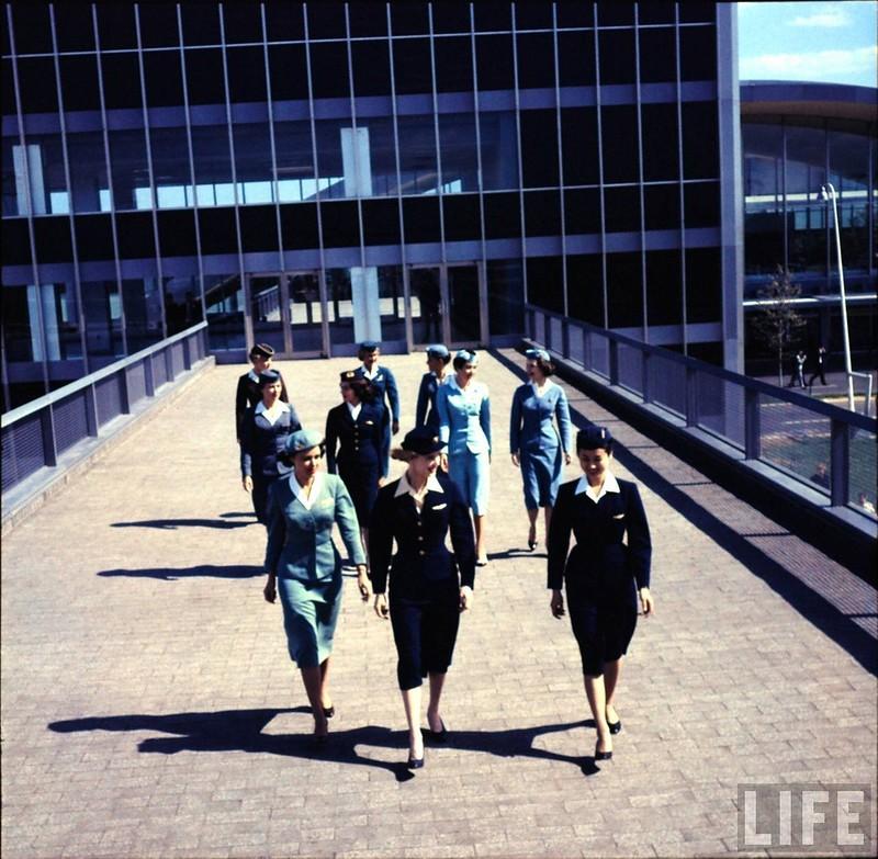 """Винтажные фотографии """"воздушных красавиц"""" 50-ых годов."""