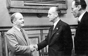78 лет назад был подписан пакт Молотова-Риббентропа