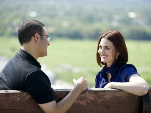 5 вещей, которые нельзя обсуждать с посторонними