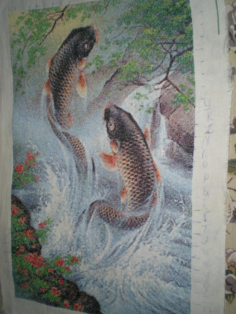 Схему вышивки карпы-прыгуны