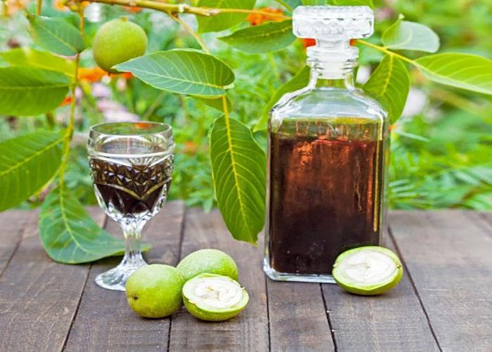 Настойка зеленого грецкого ореха защитит от болезней!