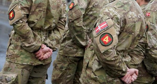Солдаты НАТО, отправляясь вПрибалтику, готовятся кинформационной войне