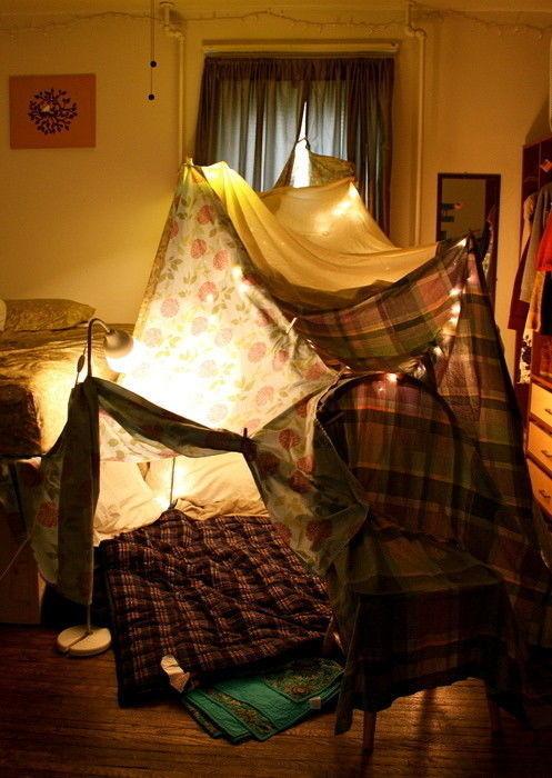 Как сделать шалаш из покрывала