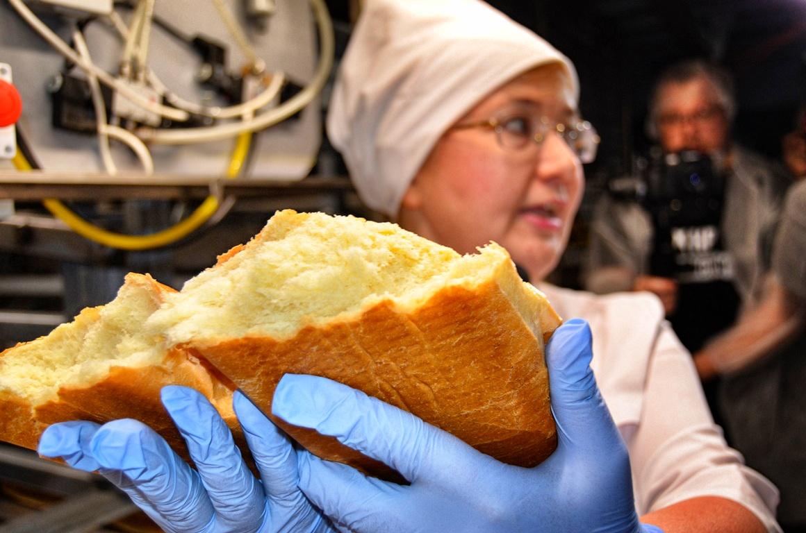 Здесь пахнет хлебом и добром: наша экскурсия на хлебозавод №5