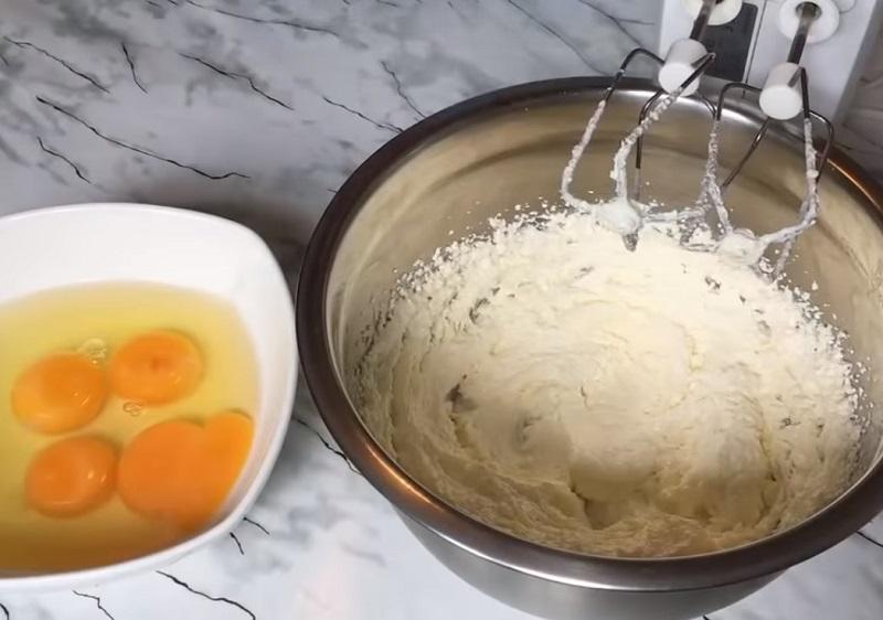 перевернутый банановый пирог без яиц