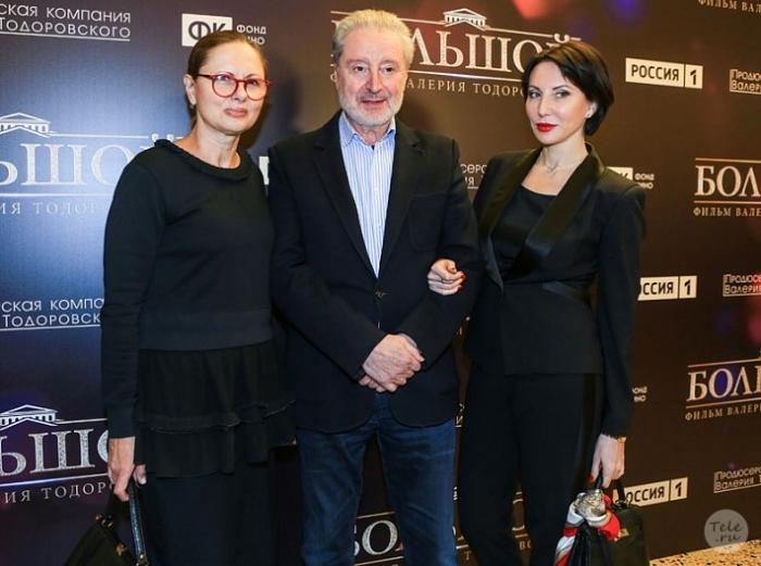 Вениамин Смехов с женой и дочерью Аликой. / Фото: www./www.tele.ru/