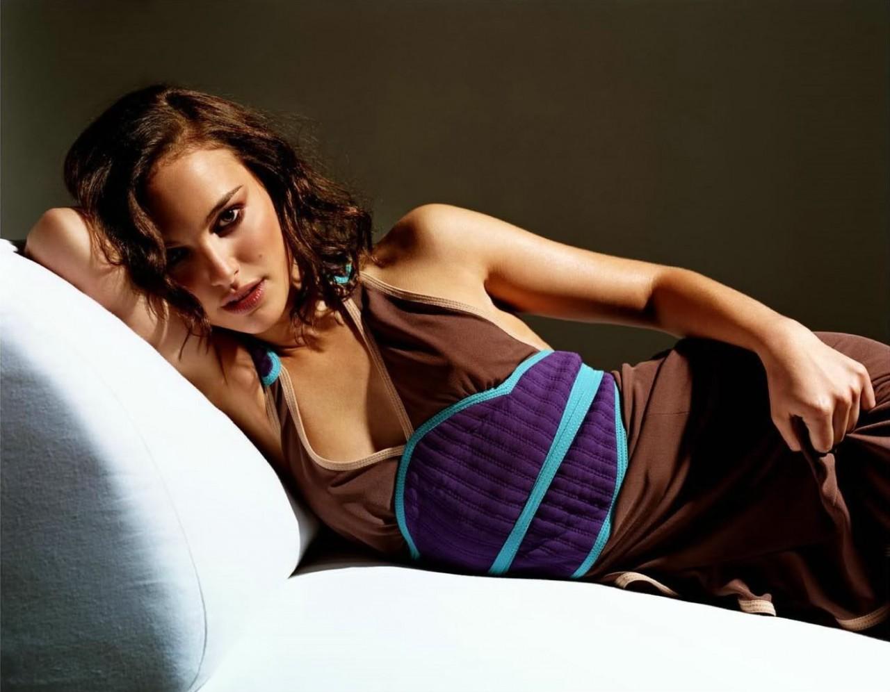 Натали Портман в фотосессии Майкла Томпсона  для журнала Esquire UK (июнь 2002)