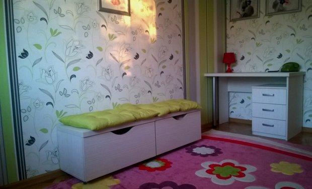 Детская: мебель-трансформер в комнате девочки