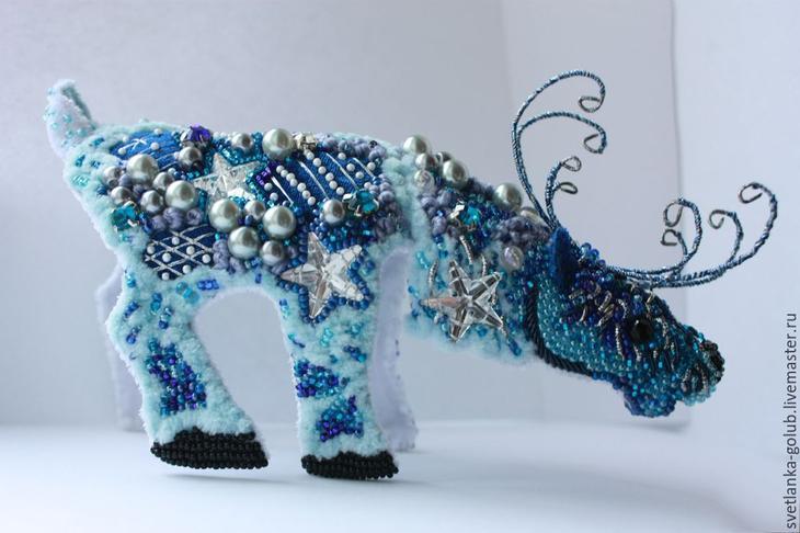 Новогодний олень. Создаем необычное интерьерное украшение в совмещенной технике вышивки и оригами