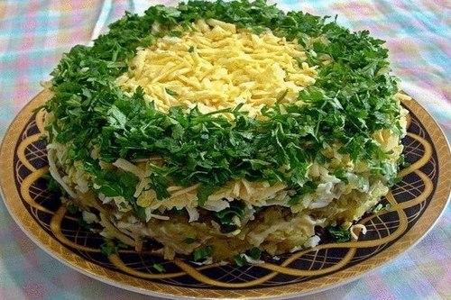 Слоеный салат «Грибы под шубой» с сыром