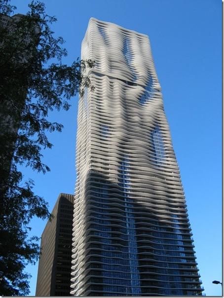 Чикагский небоскреб Aqua — необычная и красивая высотка