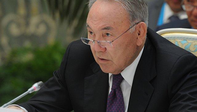 Назарбаев поручил до конца года перевести казахский алфавит на латиницу