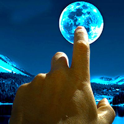 Рогозин пошлет за лунным грунтом тяжелые луноходы