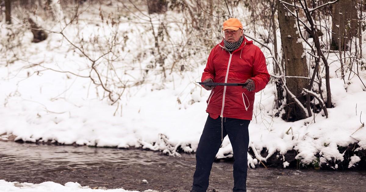 Старатель под Москвой нашел золотую россыпь  и моет на реке Сходне металл : интервью