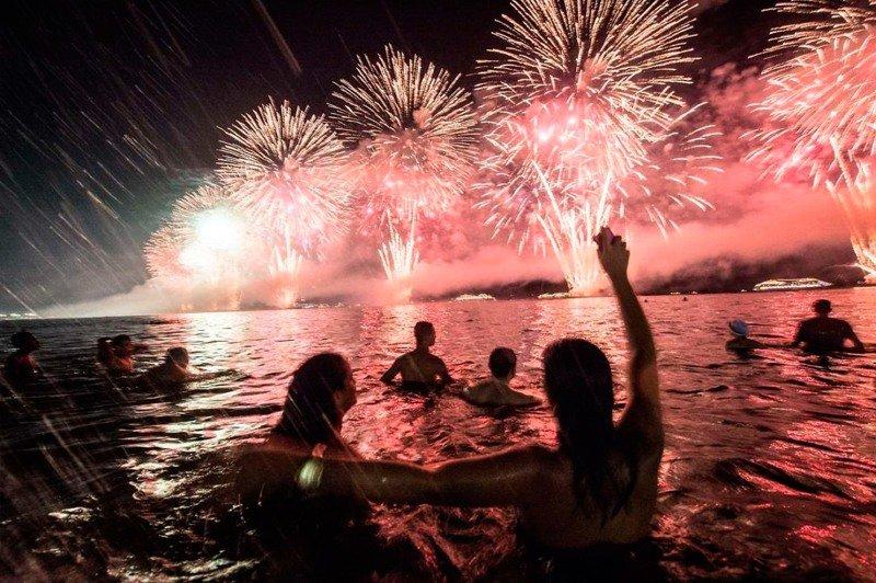 Как отмечают Новый Год в жарких странах? интересное, новый год, снег