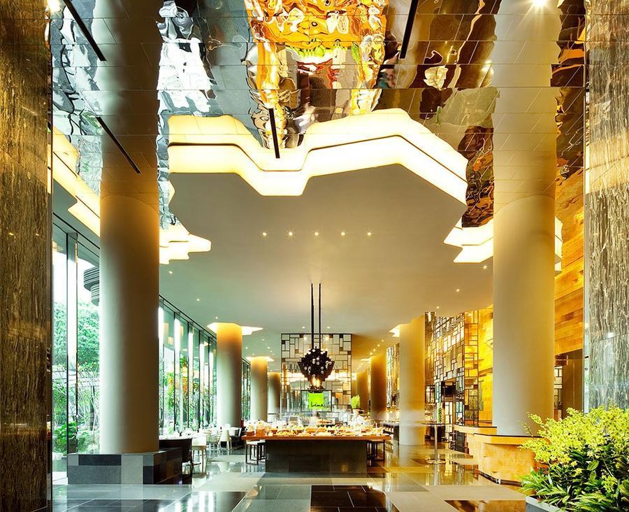 Parkroyal09 Уникальный сад на фасаде отеля в Сингапуре