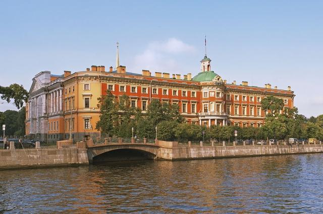 Дьявольщина, духи и самоубийцы. 8 самых мистических мест Санкт-Петербурга