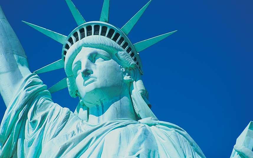 Как в одной гордой стране приняли закон о неуважении к власти и ее символам и что в итоге получилось