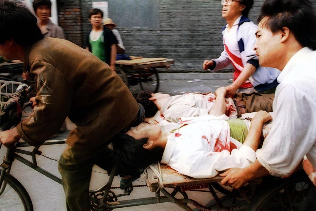 Tiananmen Square 25 Расстрел демонстрантов на площади Тяньаньмэнь 25 лет назад