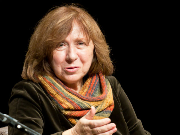 Писательница Алексиевич присоединилась к предсказанию о гибели России