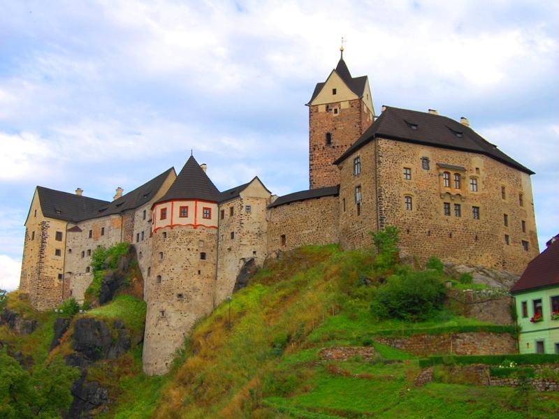 Замок - крепость Локет ( отдых с детьми)