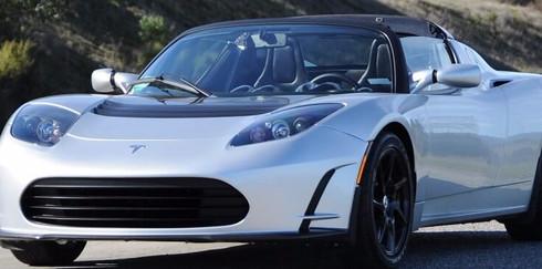 Tesla представила свою улучшенная версию Roadster 3.0