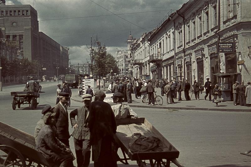 Площадь М. С. Тевелева в оккупированном Харькове