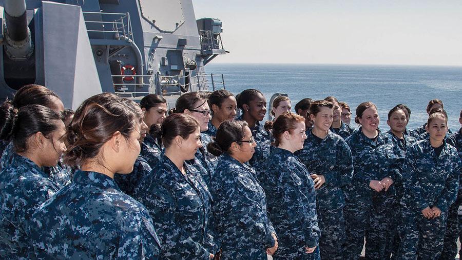 ВМС США сталкиваются с проблемой беременностей