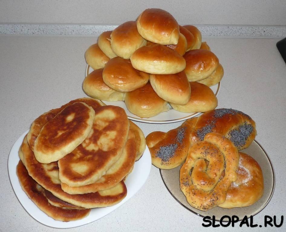 Пирожки печеные, пирожки жареные с картошкой, сдобные булочки