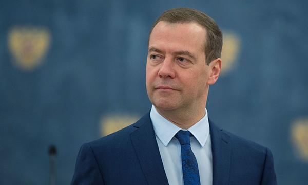 Медведев: Железнодорожная отрасль играет важную роль в развитии экономики и нацбезопасности